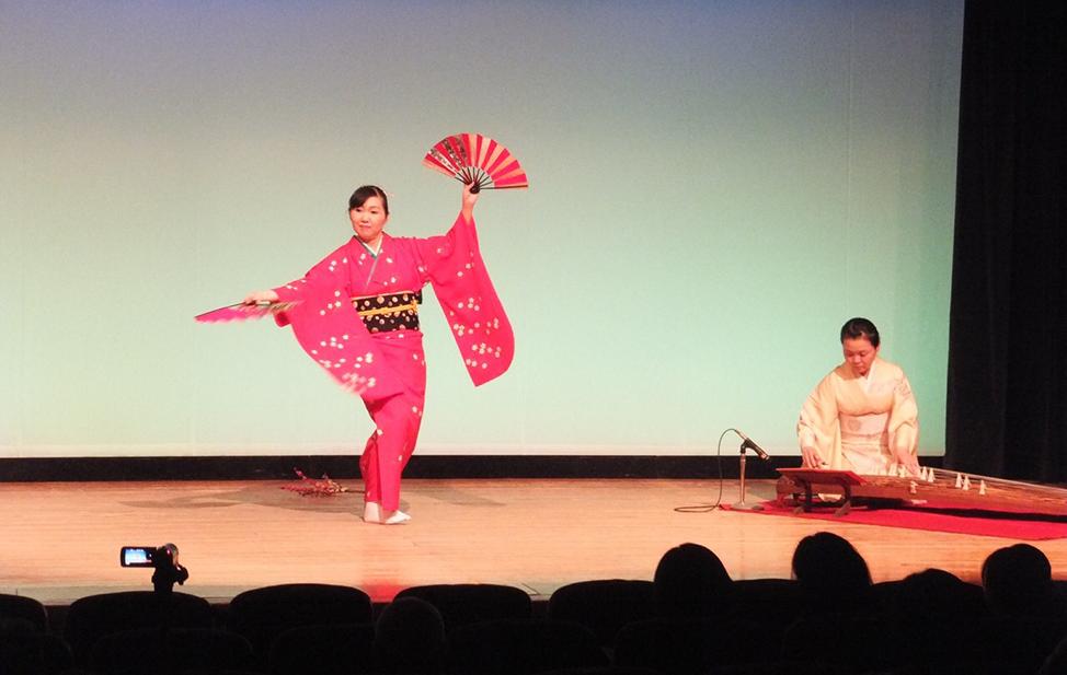 日本舞踊とお箏の演奏